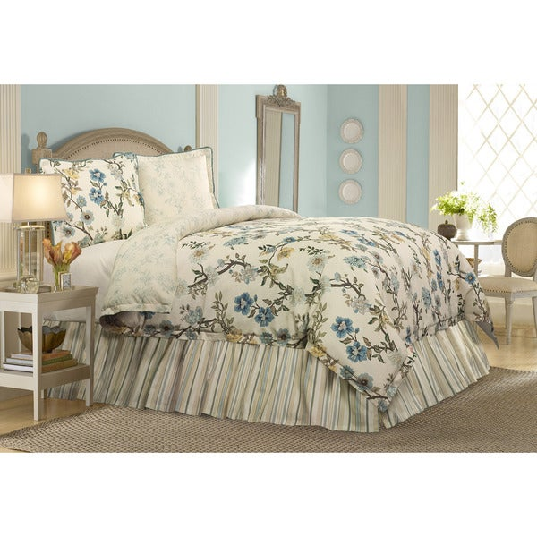 Harlow 4-piece Comforter Set by RoseTree
