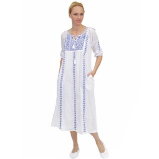 La Cera Women's Embroidered Night Gown