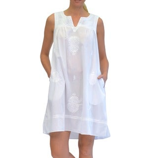 La Cera Women's Sleeveless White Embroidered Chemise