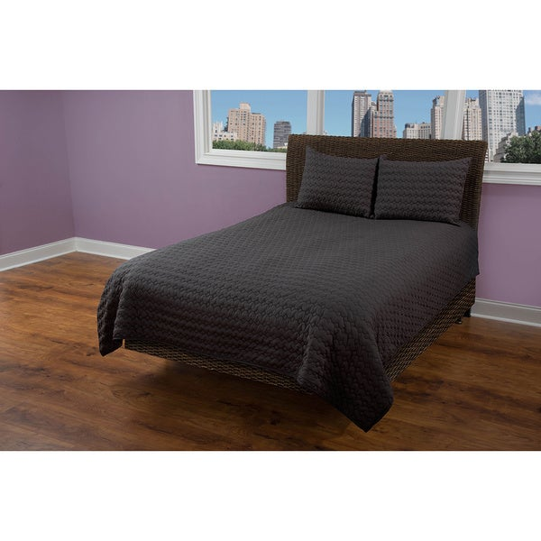 Rizzy Home Urban Black Solid Quilt