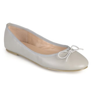 Journee Collection Women's 'Vika' Round Toe Bow Ballet Flats