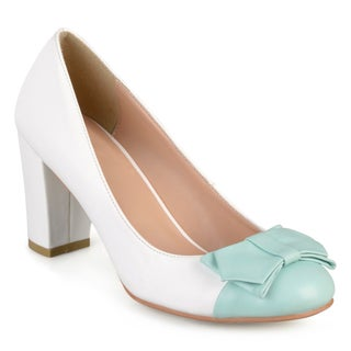 Journee Collection Women's 'Tash' Two-tone Round Toe Bow Pumps