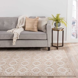Contemporary Tribal Pattern Ivory/Beige Rayon Chenille Area Rug (5' x 7'6)