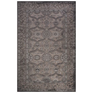 Classic Oriental Pattern Gray Rayon Chenille Area Rug (5' x 7'6)