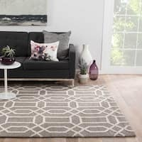 Camden Handmade Trellis Light Gray/ White Area Rug (5' X 8')