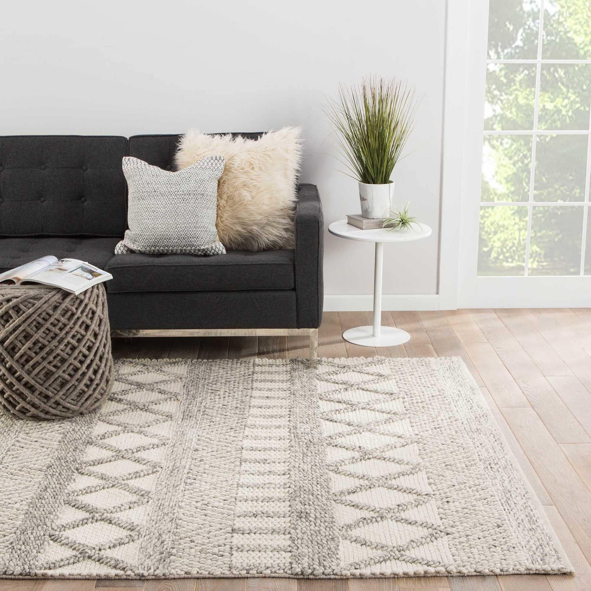 Geometric Gray White Area Rug