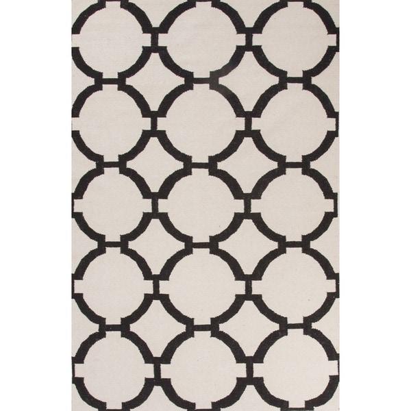 Handmade Geometric White Area Rug - 2' x 3'