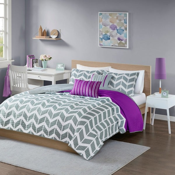 Intelligent Design Reversible Peyton Purple Coverlet Set