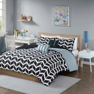 Intelligent Design Reversible Piper Black Coverlet Set