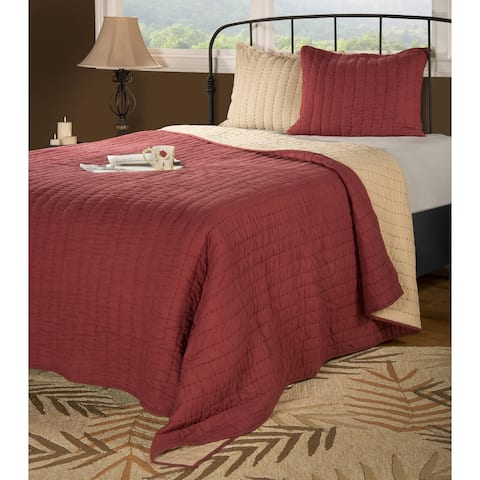 Rizzy Home Gracie Red Quilt