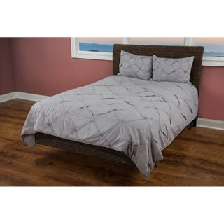 Rizzy Home Carrington Silver Quilt (3 options available)