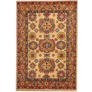 Herat Oriental Indo Hand-knotted Tribal Kazak Ivory/ Salmon Wool Rug (4' x 6')