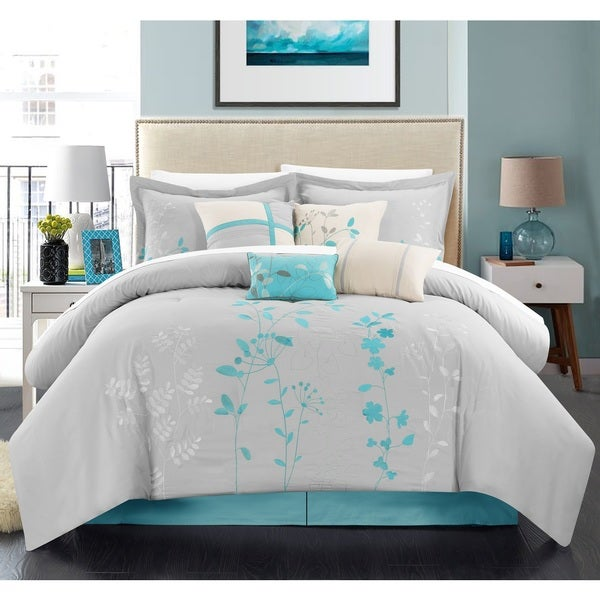 Chic Home 8-piece Fortuno Turquoise Embroidered Comforter Set