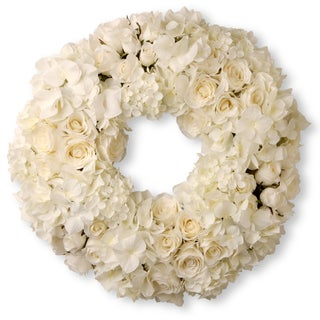 "18"" Wreath with Mixed Roses & Hydrangea"
