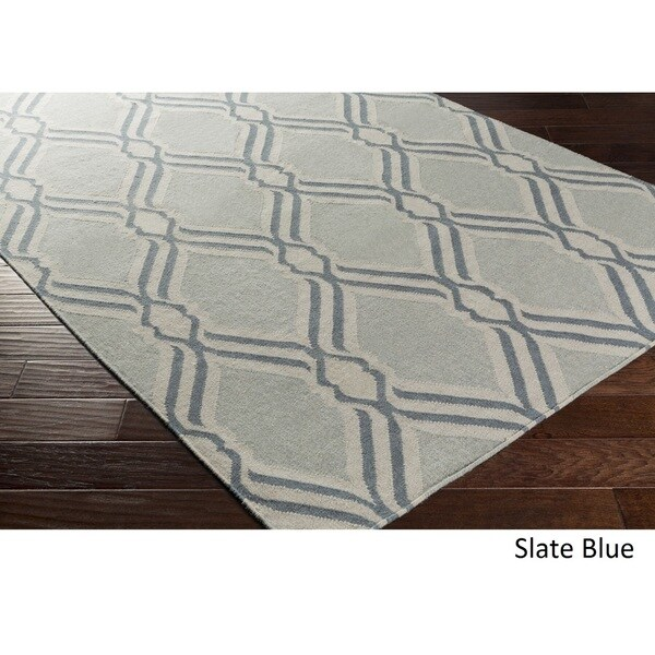 Hand Woven Blossom Wool Area Rug - 2' x 3'