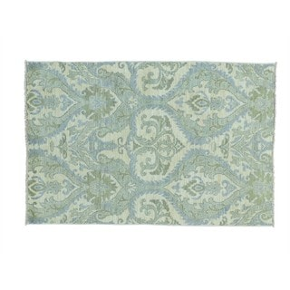 Ikat with Heart Design Hand-knotted Wool Oriental Rug (4'1 x 6'1)