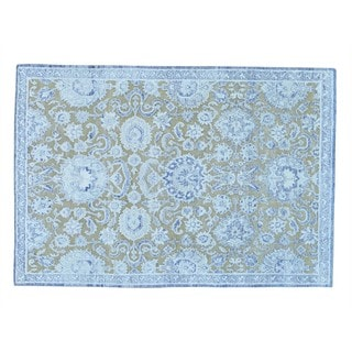 Viscose from Bamboo with Oxidized Wool Hand-knotted Oriental Rug (4'10 x 7')