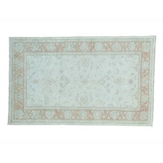 Hand-knotted Wool Peshawar Washed Out Oriental Rug (5'2 x 8'4)