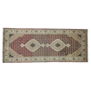 Tabriz Mahi Gallery Size Wool and Silk Hand-knotted Rug (5' x 12'9)