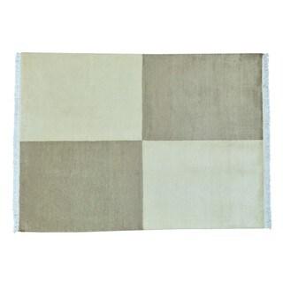 Wool Hand-knotted Gabbeh Peshawar Oriental Rug (4'8 x 6'5)
