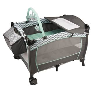 Evenflo Portable BabySuite Deluxe in Spearmint Spree|https://ak1.ostkcdn.com/images/products/11148861/P18146663.jpg?impolicy=medium