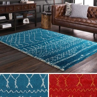 Meticulously Woven East Rug (5'3 x 7'7)