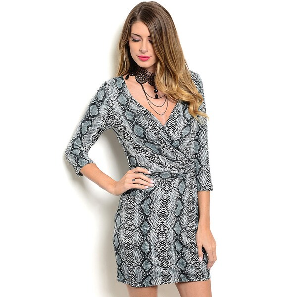Shop Shop the Trends Women s 3 4 Sleeve Short V-Neck Dress With ... e33c0e23f7