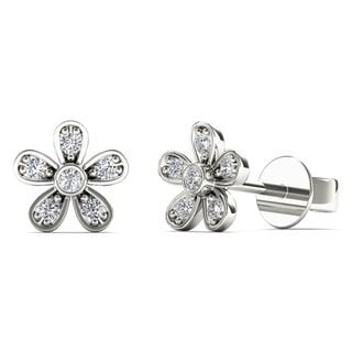 10k White Gold Diamond Accent Cute Flower Stud Earrings (H-I, I1-I2)