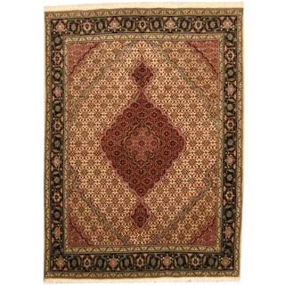 Herat Oriental Persian Hand-knotted Tabriz Ivory/ Black Wool & Silk Rug (5' x 6'8)