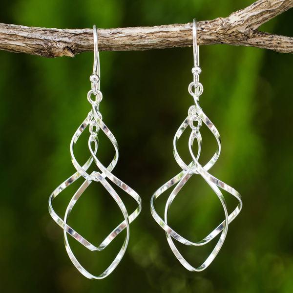 Handmade Sterling Silver 'Whirling Wind' Earrings (Thailand)