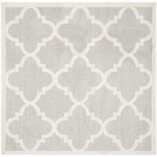 Safavieh Indoor/ Outdoor Amherst Light Grey/ Beige Rug (9' x 9' Square)