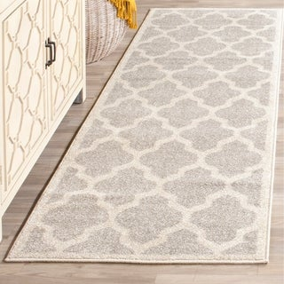 Safavieh Indoor/ Outdoor Amherst Light Grey/ Beige Rug (2' 3 x 13')