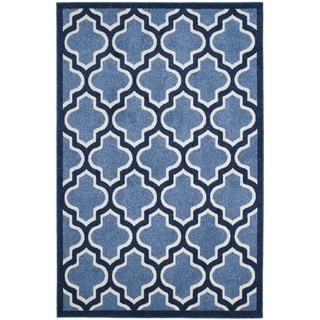 Safavieh Indoor/ Outdoor Amherst Light Blue/ Navy Rug (4' x 6')