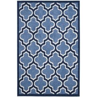 Safavieh Indoor/ Outdoor Amherst Light Blue/ Navy Rug (6' x 9')