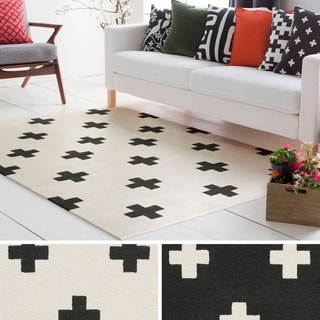 Hand-Tufted Pall Wool Rug (5' x 7'6)