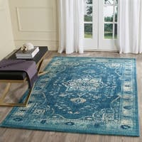 Safavieh Evoke Vintage Oriental Medallion Navy Blue/ Gold Distressed Rug (4' x 6') - 4' x 6'