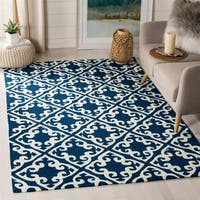 Safavieh Hand-hooked Easy to Care Navy/ Ivory Rug - 3' x 5'