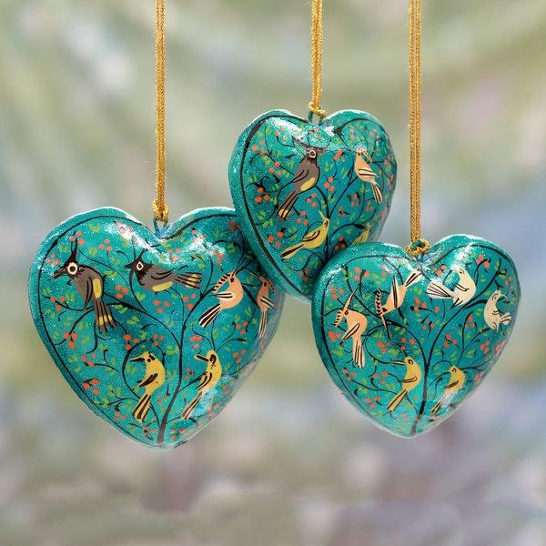 Handmade Set of 3 Papier Mache 'Christmas Songbirds' Ornaments (India)