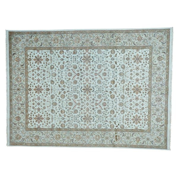 Hand-knotted Wool and Silk Ivory Kashan Oriental Rug (8'9 x 12')