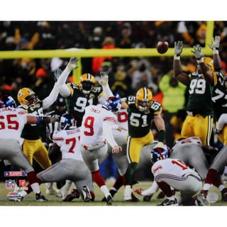 Lawrence Tynes Kick vs Green Bay 16x20 Photo