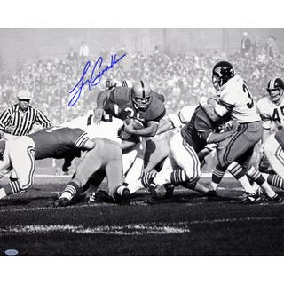 Larry Csonka Signed B/W 16x20 Photo|https://ak1.ostkcdn.com/images/products/11198746/P18188608.jpg?impolicy=medium