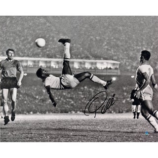 Pele Signed 1965 Bicycle Kick Close Up B&W 16x20 Photo (Signed in Black)