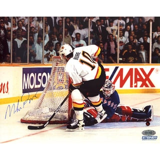Mike Richter vs. Pavel Bure Horizontal 8X10 Photo
