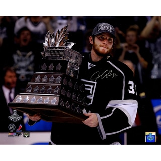 Jonathan Quick Signed Conn Smythe Trophy Horizontal 16x20 Photo (Jonathan Quick Holo)