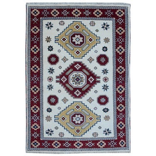 Off-white Wool Hand-knotted Kazak Rug (5'7 x 7'10)