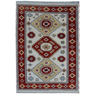 Off-white Wool Hand-knotted Kazak Rug (4' x 6')