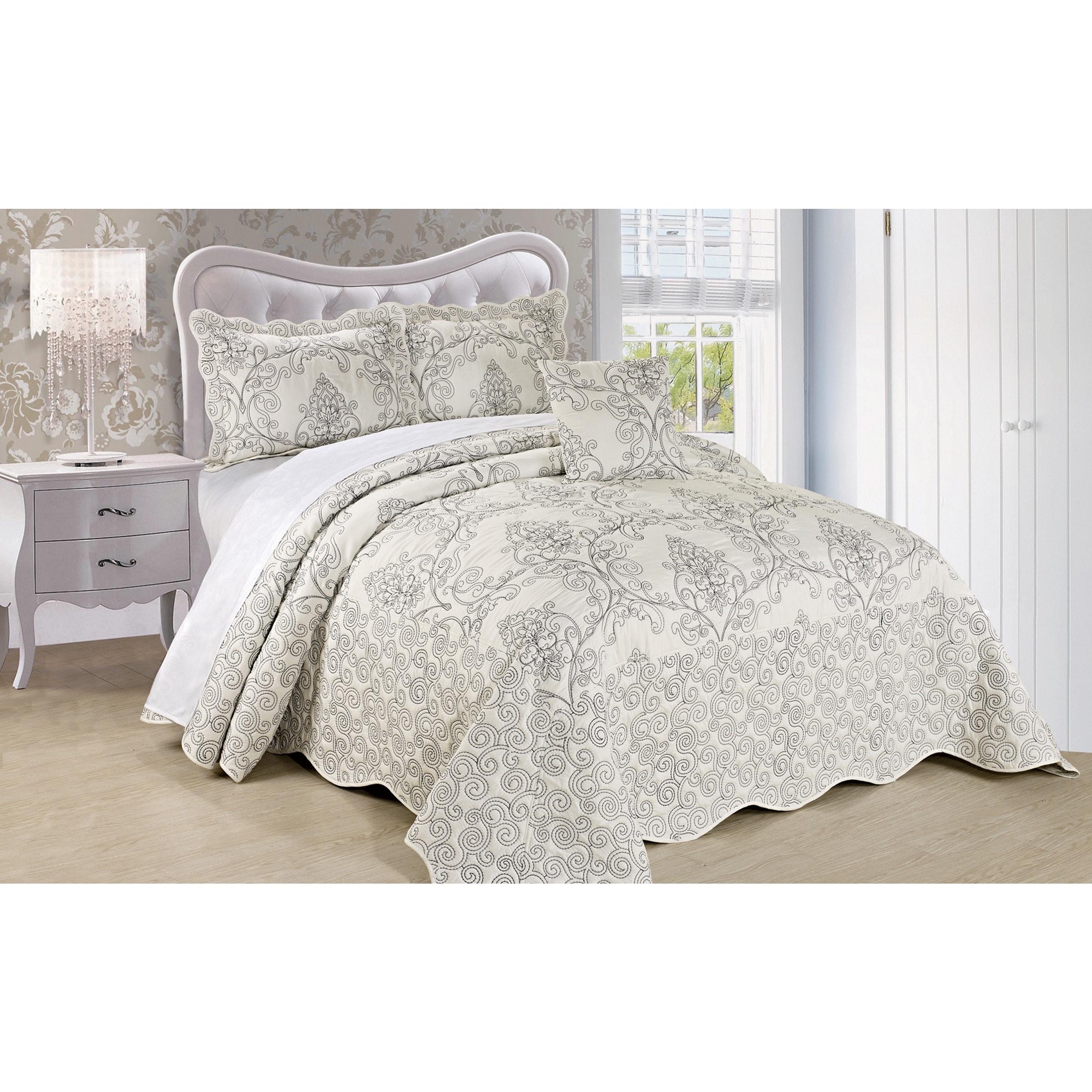 Serenta Damask 4-piece Bedspread Set (Antique White - Kin...