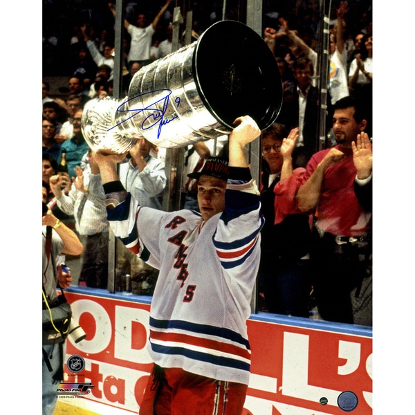 Adam Graves With Stanley Cup Overhead 16x20 Photo