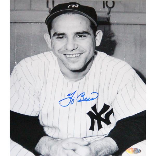 Yogi Berra Signed Posing w/ Hands Folded B/W 8x10 Photo
