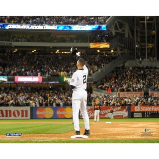 Derek Jeter Tip Cap After Breaking Gehrig's Record for Most Hits By A Yankee 8x10 Text Photo uns